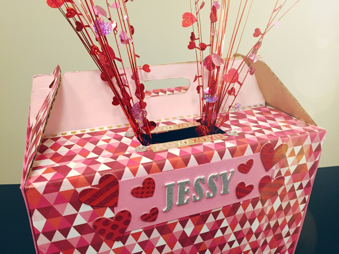DIY Valentine's Day kids card box