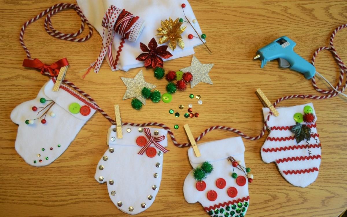 Kid friendly cardboard diy crafts for the holidays two for Kid friendly christmas crafts