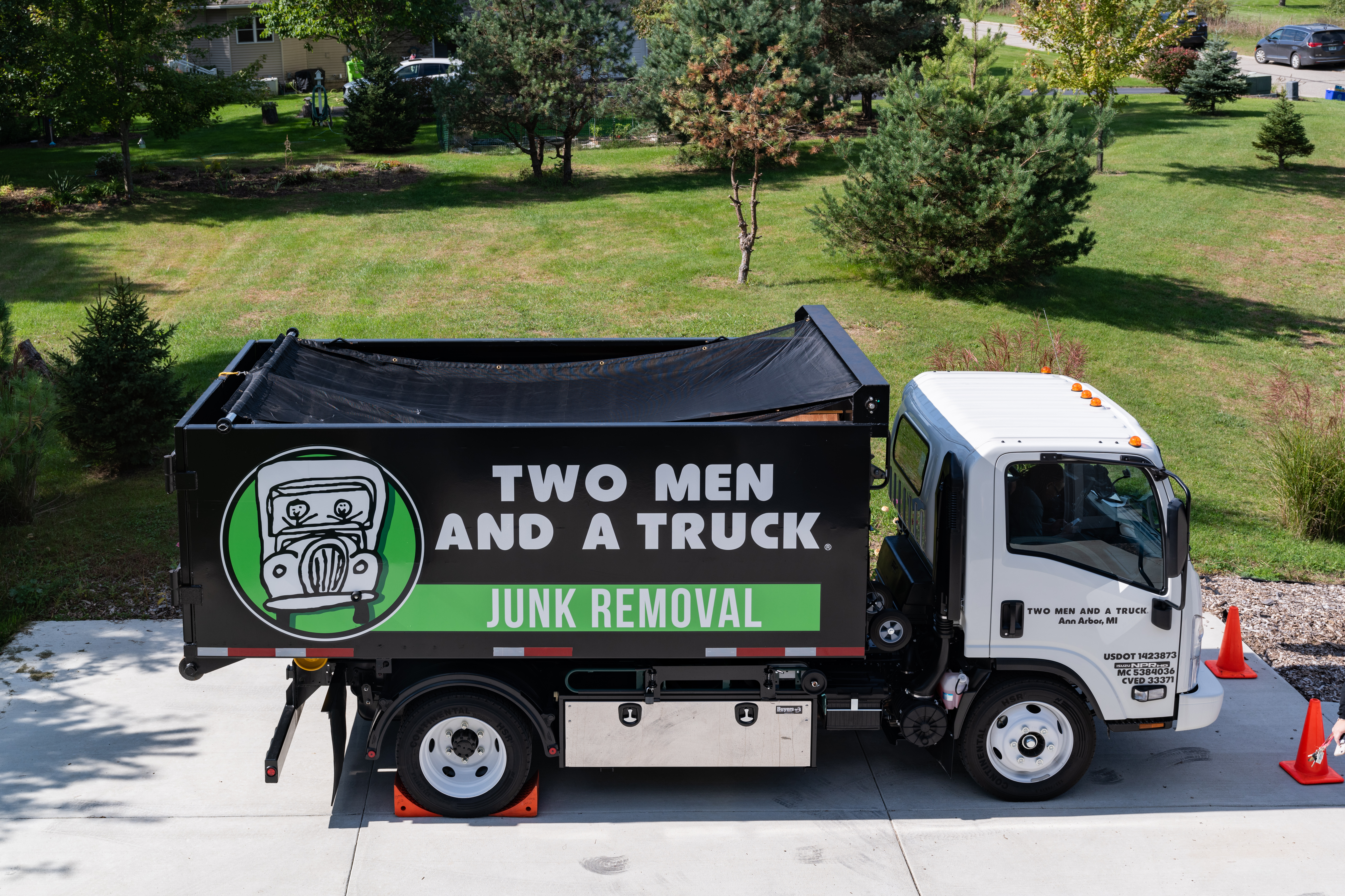 A TWO MEN AND A TRUCK Junk Truck